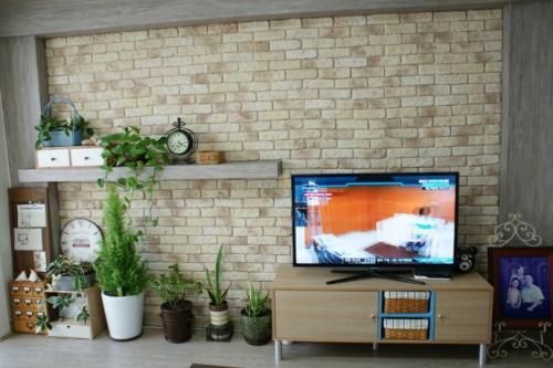 家装电视墙花式贴砖